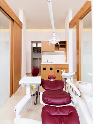 広々ときれいな診療室